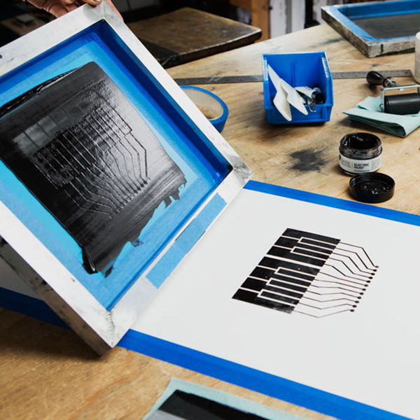 Screen printing a keyboard with electric paint